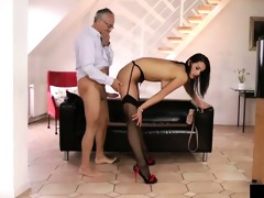 young euro bitch receives pussydrilled by an old